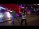 В любой непонятной ситуации - танцуй! :))) Танцули с танц автоматом