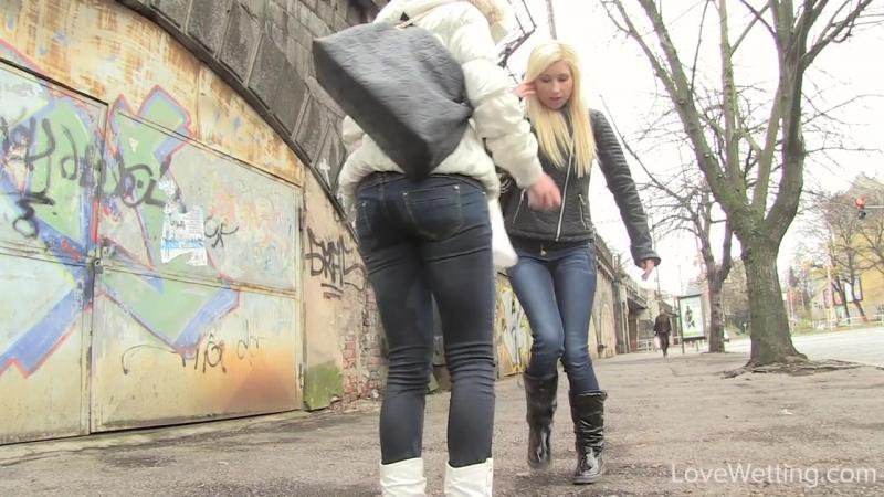 Видеоролики как женщины описались в штаны на улице