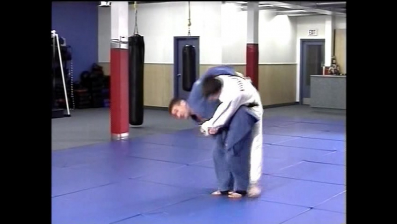 Игорь Якимов - Русское дзюдо - O-goshi (Бросок через бедро с традиционным нижним захватом пояса на спине)