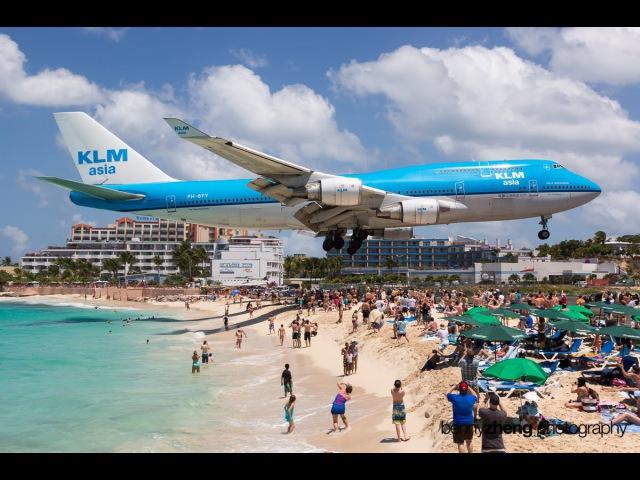 Самолеты низколетящие над пляжами, и их невероятная посадки. Low-flying aircraft over the beaches
