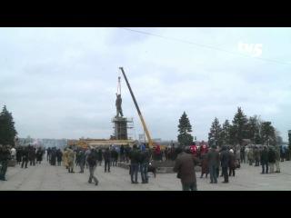 Снос памятника Ленину в Запорожье - прямая трансляция TV5  (FULL HD)