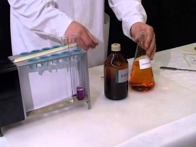 Изучение отношения бензола к бромной воде и раствору перманганата калия