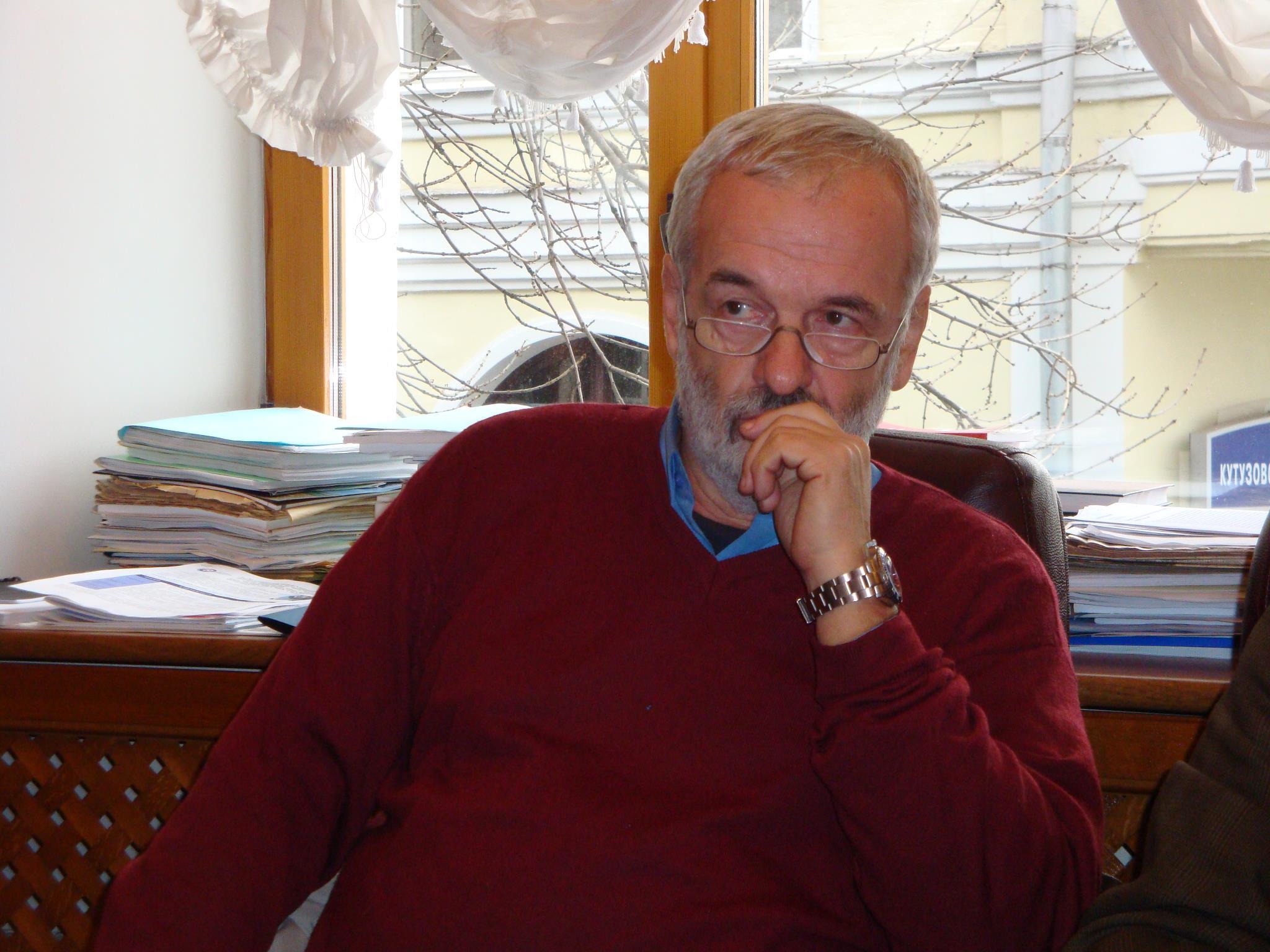 Объявлен сбор средств на лечение культуролога Игоря Яковенко