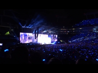 Taylor Swift feat. Idina Menzel - Let It Go (Tampa, 10/31/15)