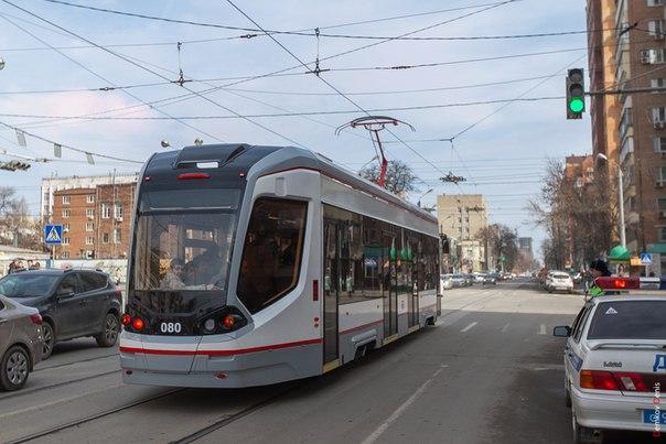 Фоторепортаж: Ростовский низкопольный трамвай вышел на маршрут