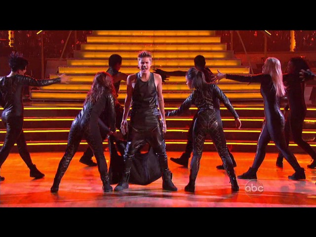 Justin Bieber Performs As Long As You Love Me LIVE On Dancing With The Stars - 9252012 (IN HD)