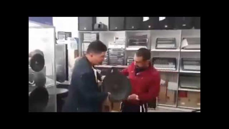 Bass Hoparlörü tutan yurdum insanı Gülme Krizi Garantili