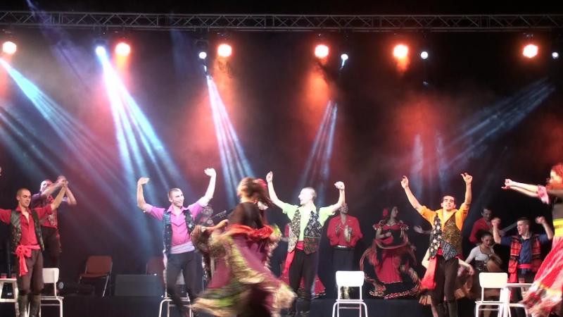 Мар дяньдя Цыганский ансамбль Русска рома в Шоу Нешки Робевой Болгария 15г