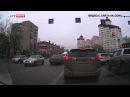 В Липецке девушка блондинка на БМВ показала опасный дрифт на перекрестке