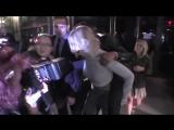 10 октября — Дженнифер и Азиз Ансари покидают ресторан (Нью-Йорк, США)