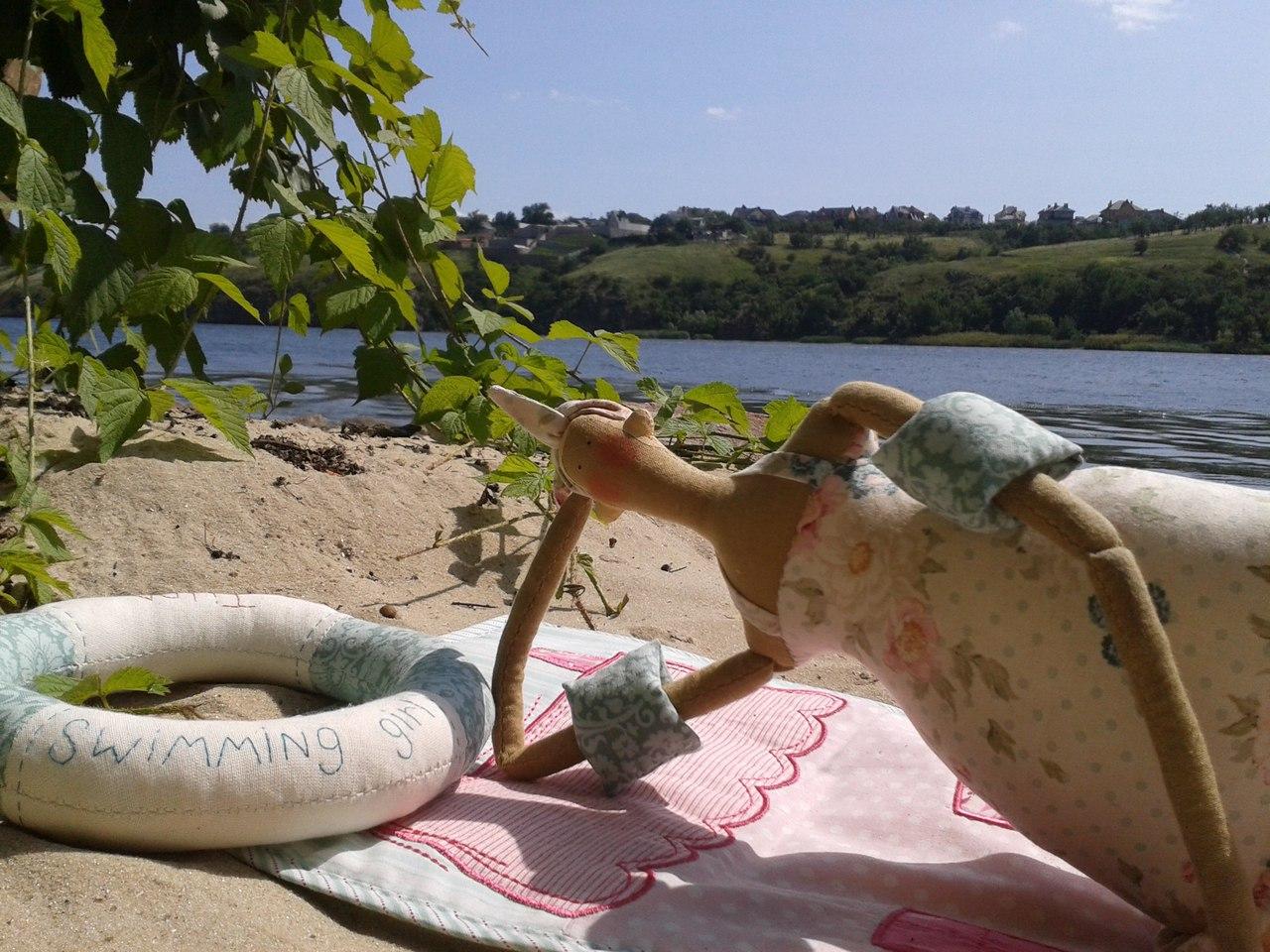 тильда на пляже