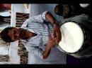 Урок игры на барабане в Индии