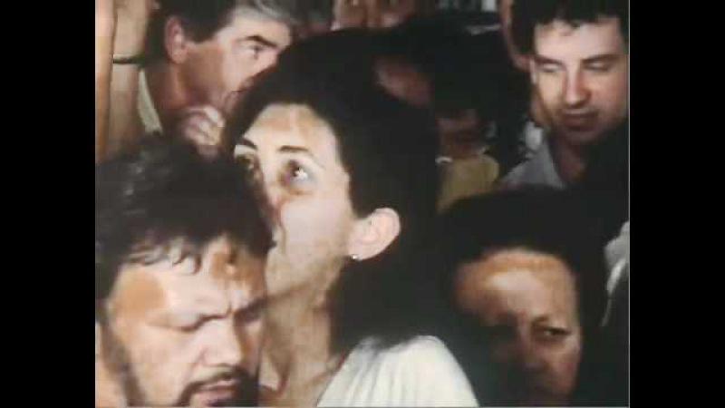 Filme Cronicamente Inviável Cena Do ônibus Lotado