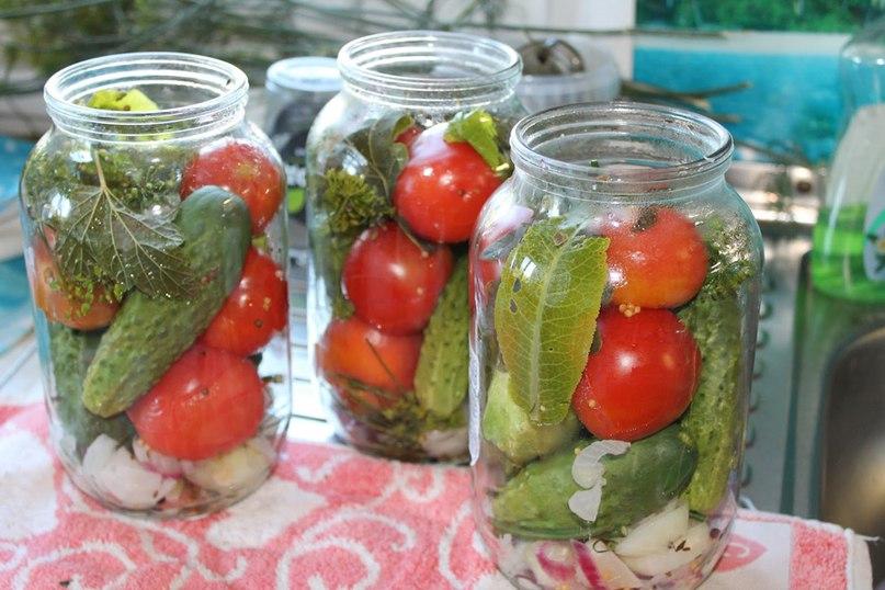 Заготовки на зиму из различных овощей-Маринованные огурчики по-болгарски