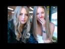 Две молоденькие девочки показывают сиськи в кафе на камеру. Запись вирта. Эксгибиционистки