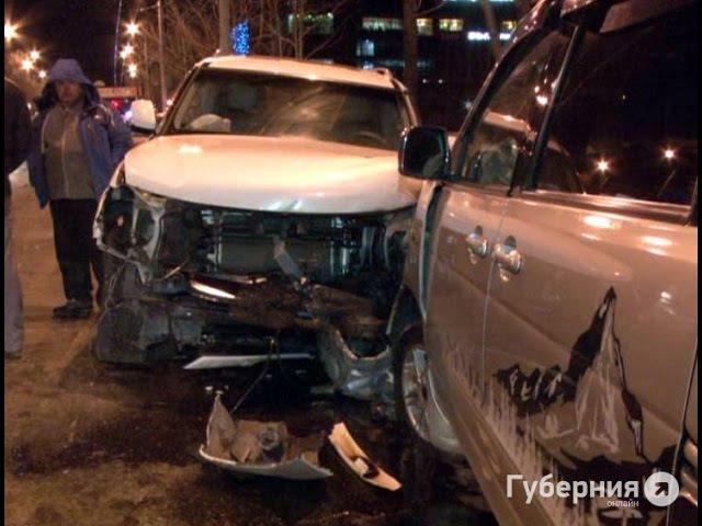 Хабаровчанин, отвлекшийся на СМС, спровоцировал крупное ДТП.MestoproTV