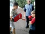 Китаец учит Кик-Боксингу