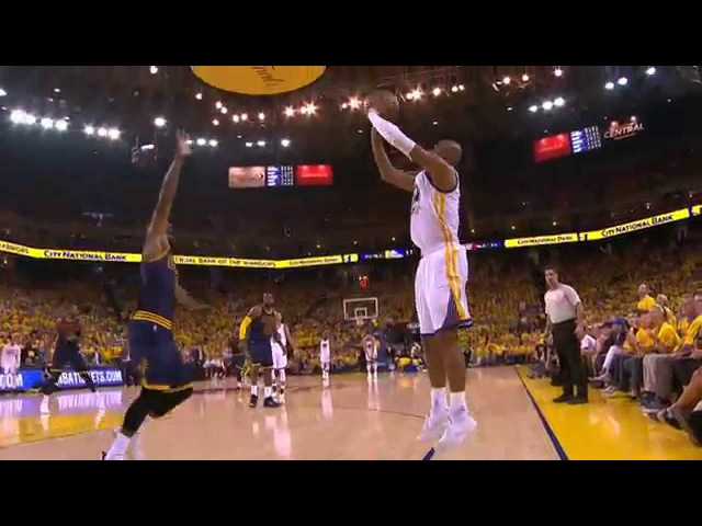 Stephen Curry's Sweet Behind-the-Back Dish to Barbosa