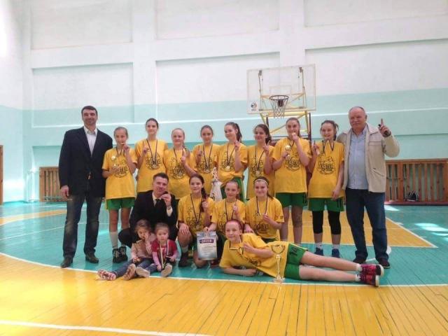 Найкращі моменти фінальної гри ВЮБЛ дівчат 2001р. і танець переможців