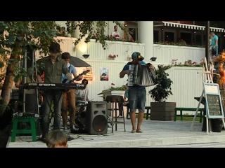 Нирвана на аккордеоне) Парк культуры 09.08.2015 г.