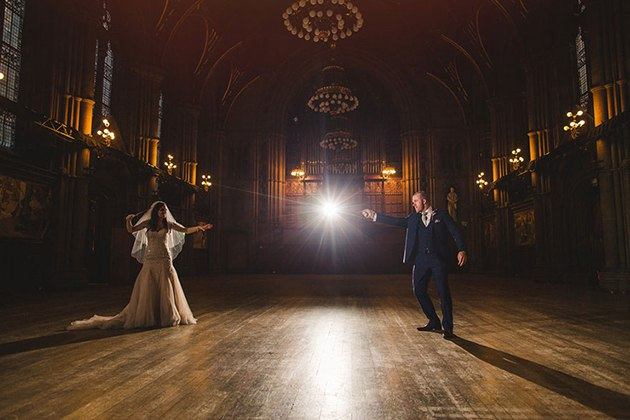YGlih0KDjPo - Свадьба в стиле Гарри Поттера (10 фото)