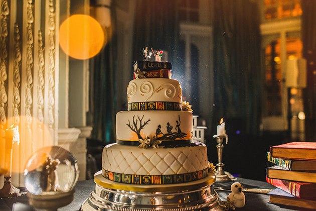 z0sHrLOTz6Q - Свадьба в стиле Гарри Поттера (10 фото)