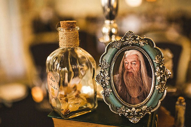 QA9POF10A9Y - Свадьба в стиле Гарри Поттера (10 фото)