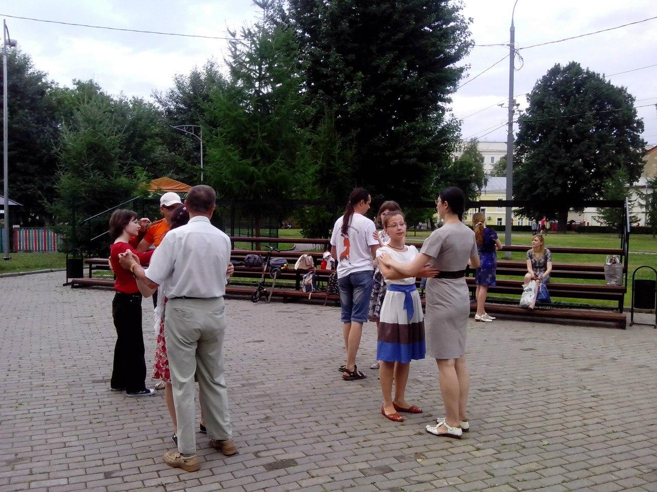 Жители района приглашаются на танцевальный вечер