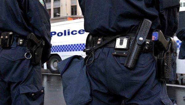 В Австралии задержали мужчину за добавление кислоты в лубрикант в гей-клубе: https://ria.ru/world/20160829/1475491502.html
