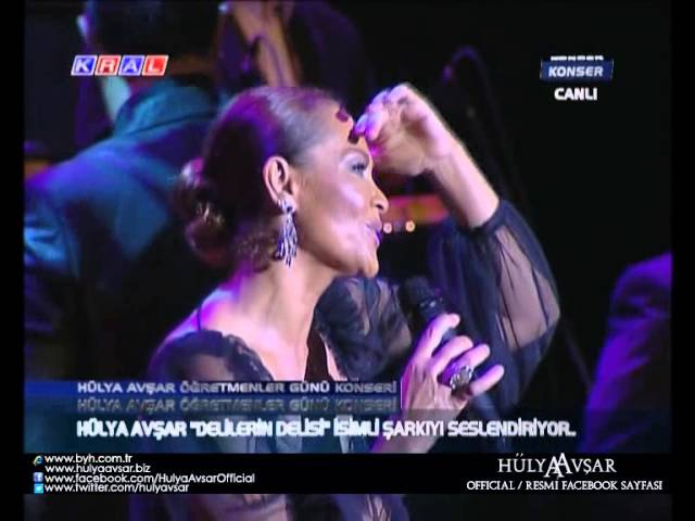 Hülya Avşar - Delilerin Delisi (Live Öğretmenler Günü Özel Konseri)