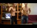 Парни танцуют Пухлинькие девушки смешно