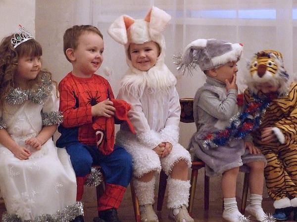 Как одевать ребенка на утренник новый год