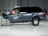 2002 Dodge Grand Caravan moderate overlap IIHS crash test