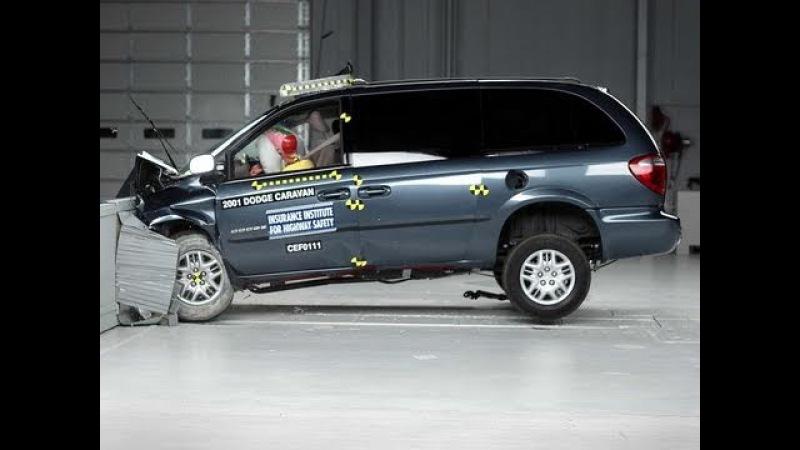 2002 Dodge Grand Caravan moderate overlap IIHS crash test