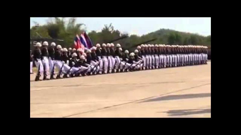 Soldados exibem coreografia incrível durante desfile militar ao som de The Final Countdown 1