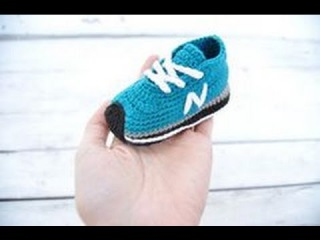 Zapatillas de bebé de ganchillo. Crochet baby sneakers, booties. Gali Craft