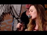 Исполнение песни «Lovefool» для сайта «A.V. Club» (24/02/15)