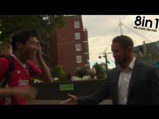 Японский фанат ОЧЕНЬ РАД встрече с игроком в регби Шейном Уильямсом / Japanese rugby fan VERY excited to meet Shane Williams