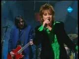 Eurovision 1997 - Katrina &amp The Waves - Love shine a light