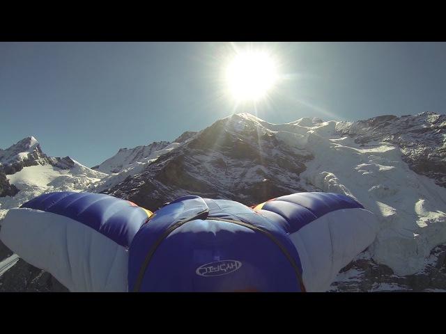 10129_ Base jump wingsuit Jungfrau 4158 mètres Alpes Bernoise Valery Rozov