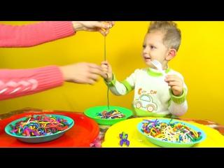 Play Doh Rainbow Spaghetti Surprise. Плей До пластилин. Радужные спагетти с сюрпризами.