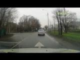 ДТП Водитель рено решил развернуться на одностороннем движении   ДТП авария