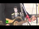 Денис Майданов и Вика Цыганова выступили для российских военных в Сирии
