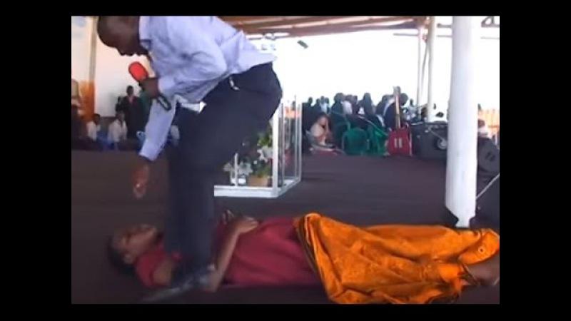 Воскрешение девушки на воскресном собрании