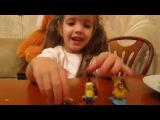 Миньон игрушка из Киндера. Играем и рассказываем про то что они умеют.Minions from Kinder Surprise