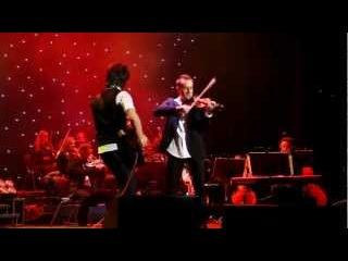 Музична дуель Олександра Божика і Елвіса!!