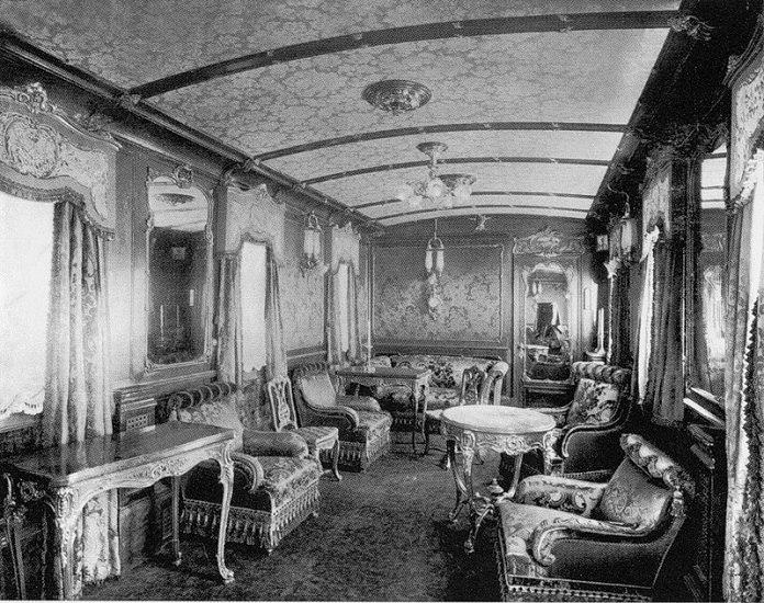 Императорский вагон-салон для аудиенций