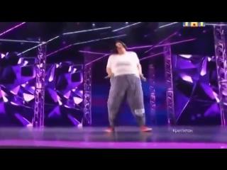 Танцы. Аннет зажигает
