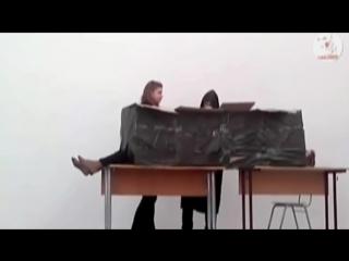 Иллюзионист на школьном утреннике (Распилим Женщину)