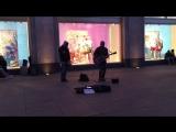 Парни исполняют песню нереально круто!)))